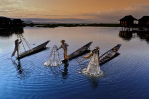 Inlay Fishing by The Eng Loe Djatinegoro