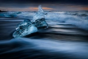 UPI Gold -  My Icebergs by Min Tan ARPS PPSA