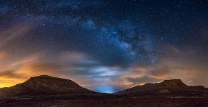 UPI HM - Milky Way over the Desert by Carlos Solinis Camalich