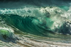 UPI HM - Intimidating Wave by Bernd Stoffl EFIAP